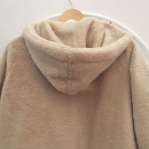 "Brandy Melville Jackets & Coats - Brandy Melville Sandra ""shearling fur"" jacket"